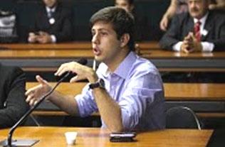 O caçula deputado estadual Rafael Picciani aprendeu com o pai e com o irmão mais velho